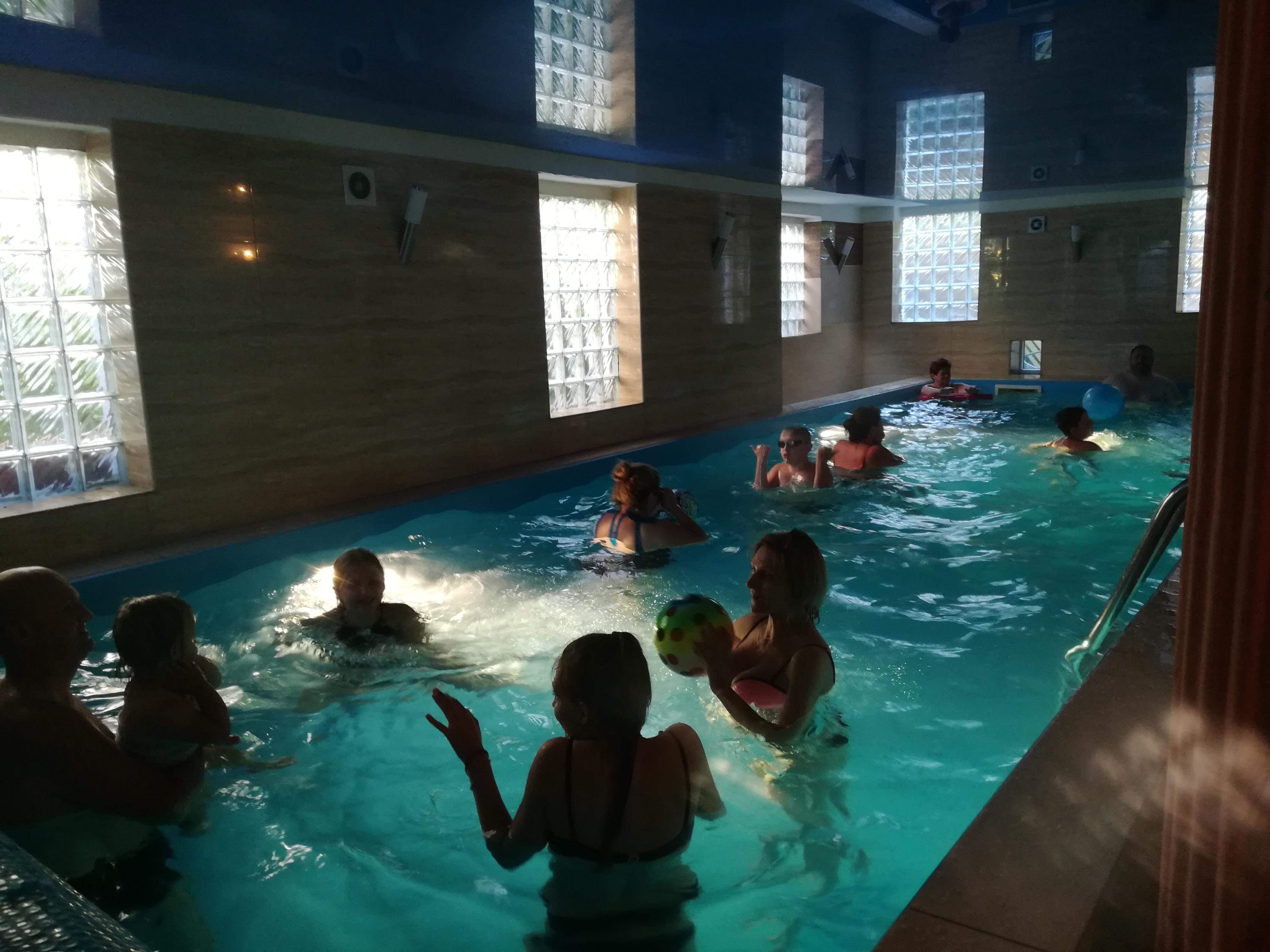 Darmowy basen dla gości hotelowych - Willa Christina SPA Mielno